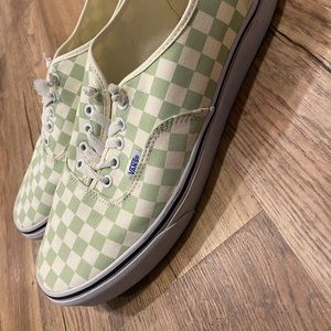 Men's Van Canvas Shoes!
